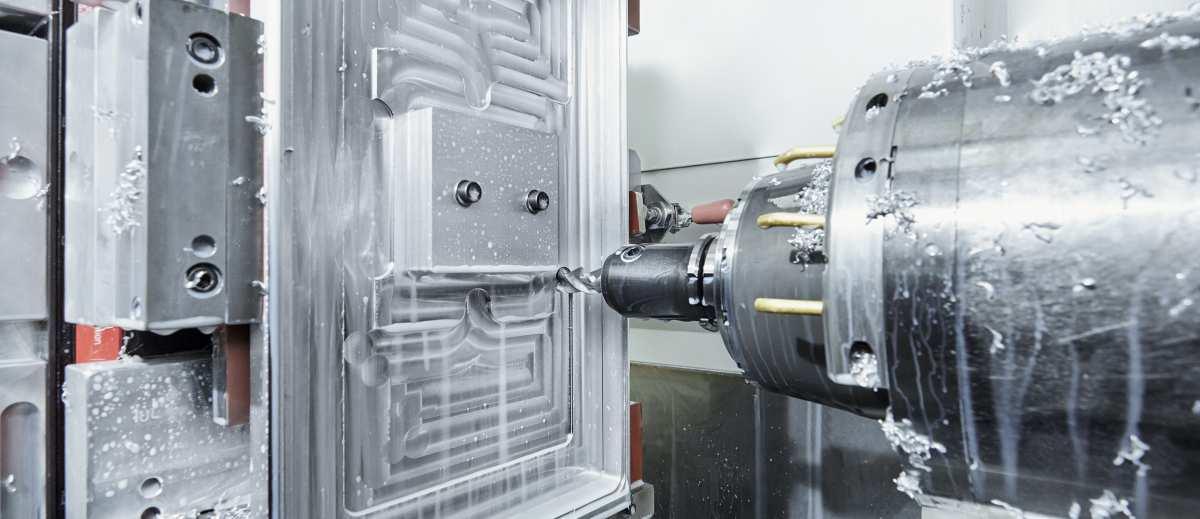 CNC Fräsbearbeitung der Firma Schüco International KG