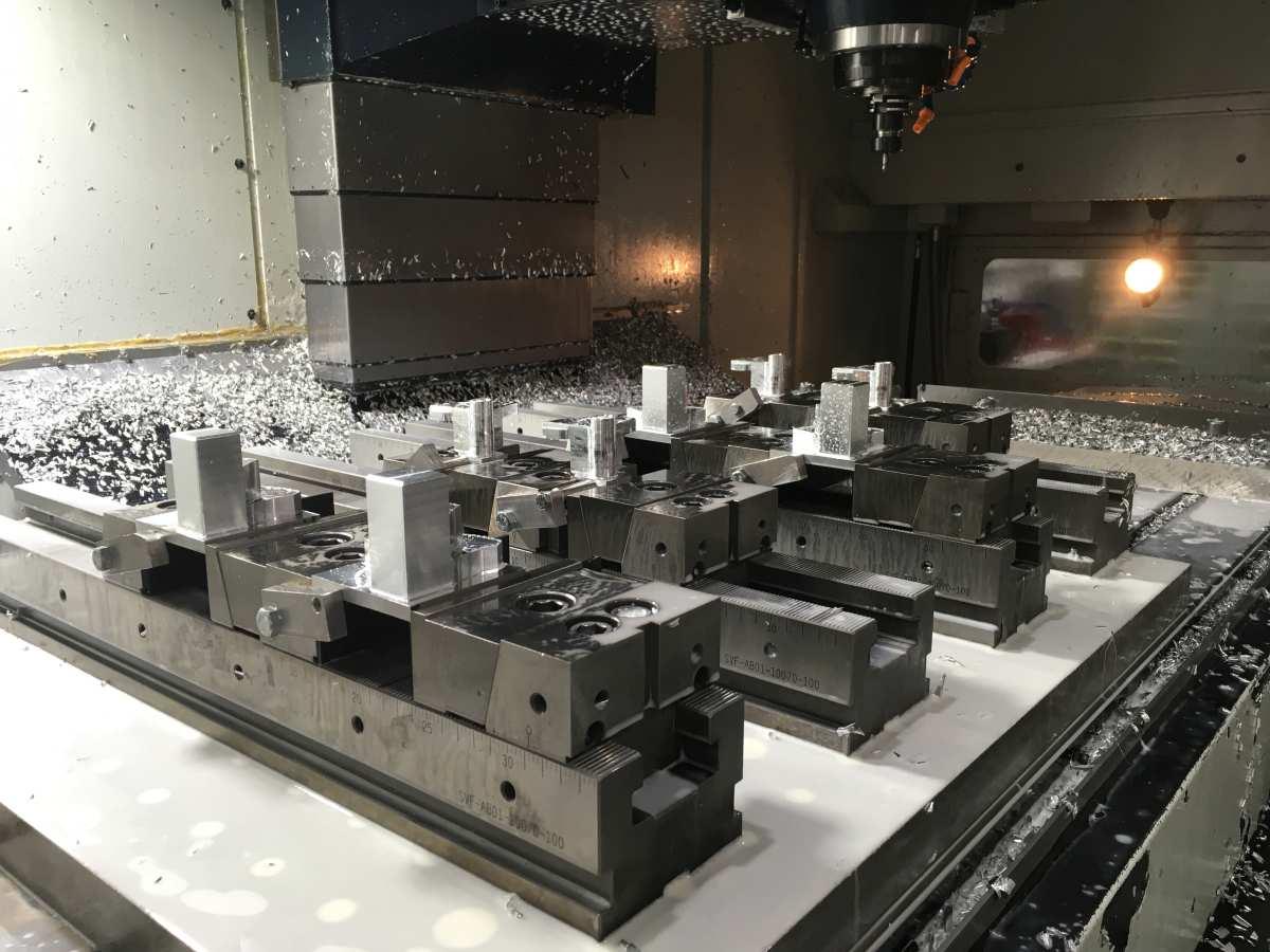 CNC-Fräse der Firma ZERNat Mechatronik GmbH