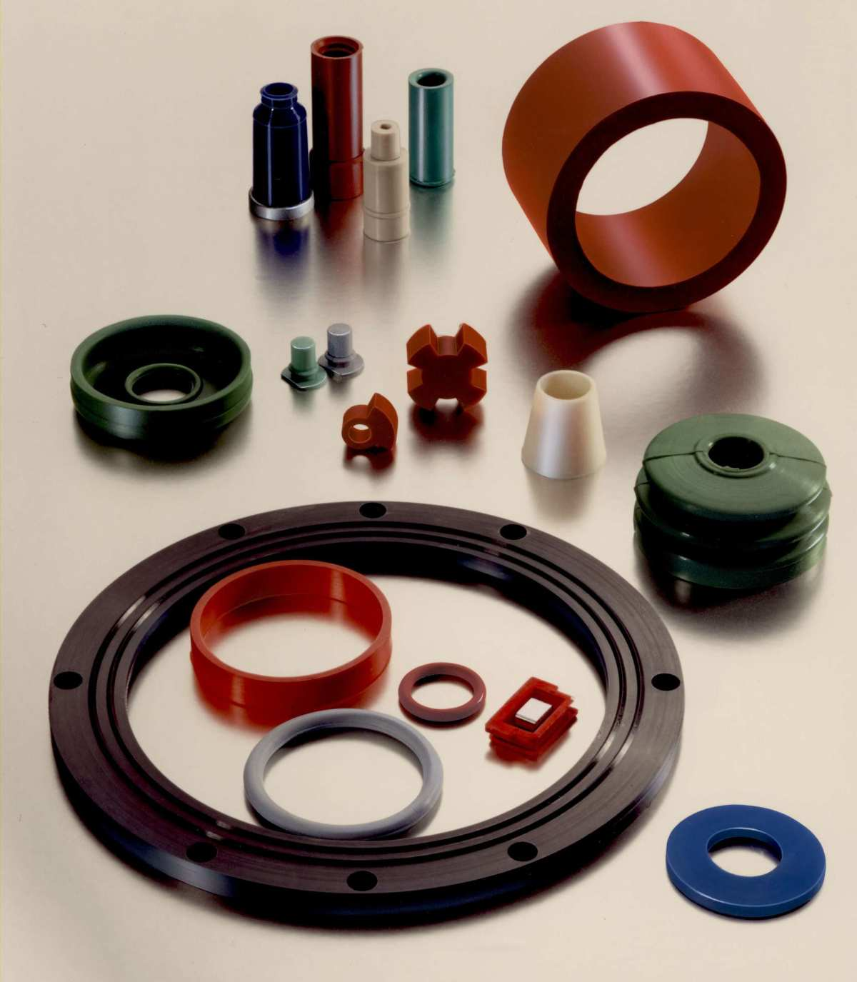 Kunststoffteile gestanzt und geformt
