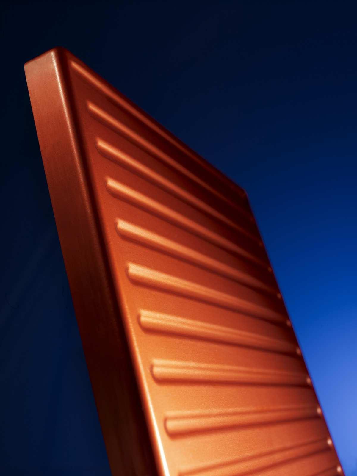 Eloxal mit individuell gefärbter Oberfläche - Firma Holzapfel Group