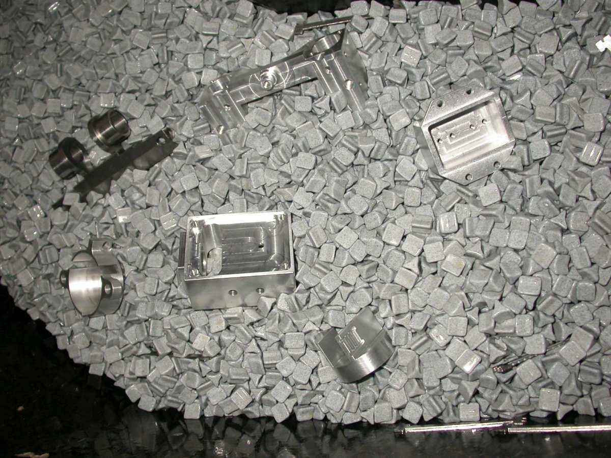 Gleitschleifanlage der Firma MHM Martin Häßler Metalltechnik