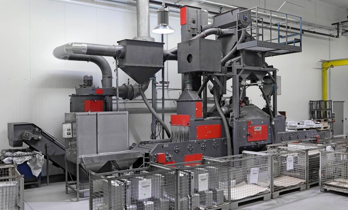 Durchlauf-Strahlanlage der Firma Sterr & Eder Industrieservice GmbH