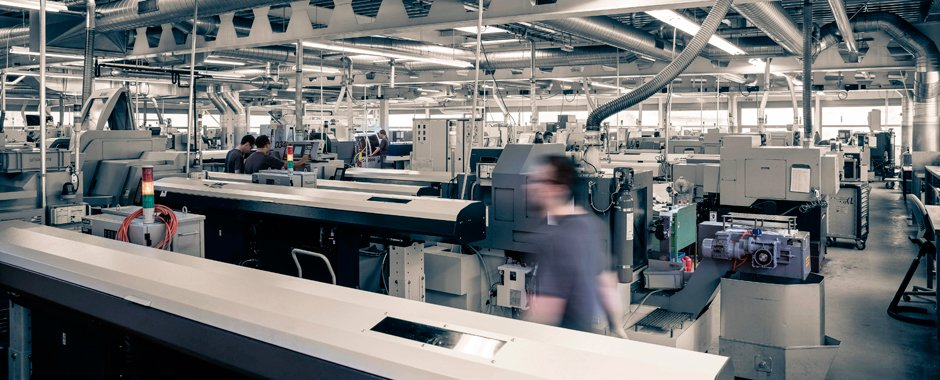 Moderne CNC-Dreherei der Firma Ernst Nachbur AG