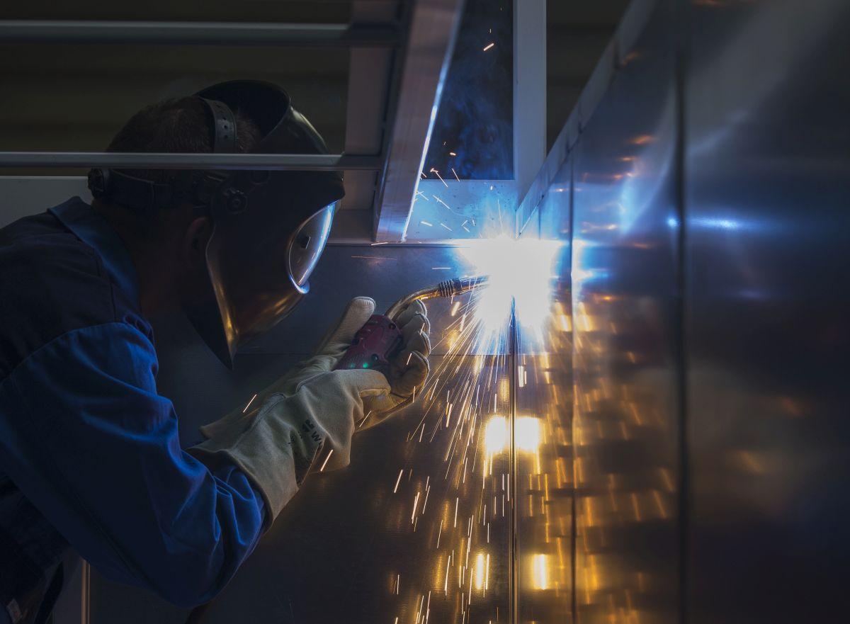 Schweißen bei der Firma Gruber GmbH Metallbau & Blechbearbeitung