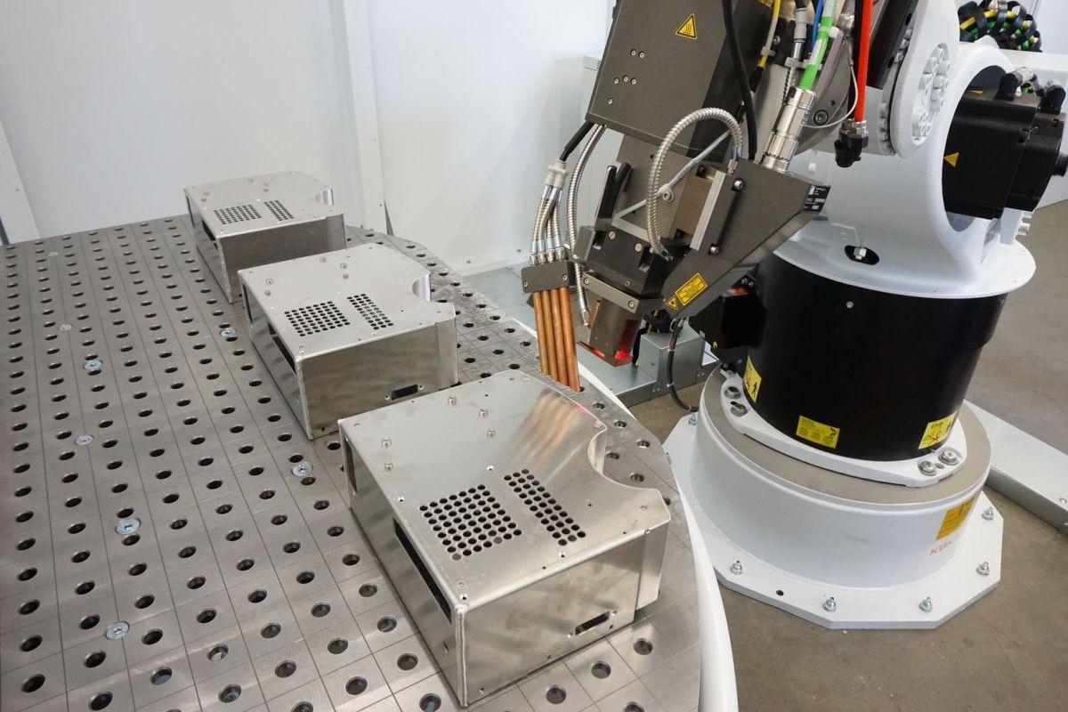 Laserschweißroboter bei der Firma BSW-Anlagenbau GmbH
