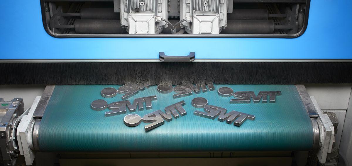 Entgraten und verrunden bei der Firma SMT Schiebler Metalltechnik